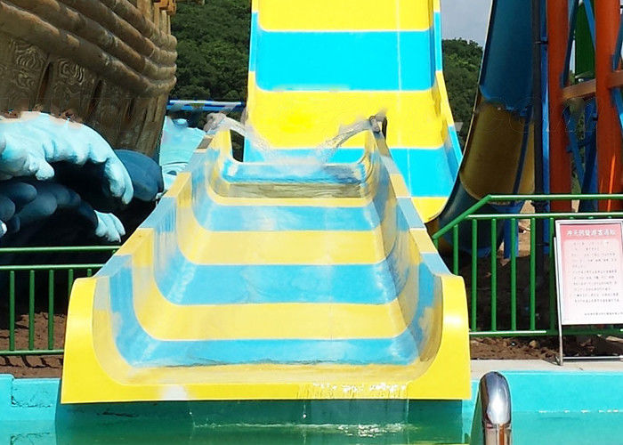 Fiber Glass Open Spiral Slide Outdoor Amusement Equipment For Community