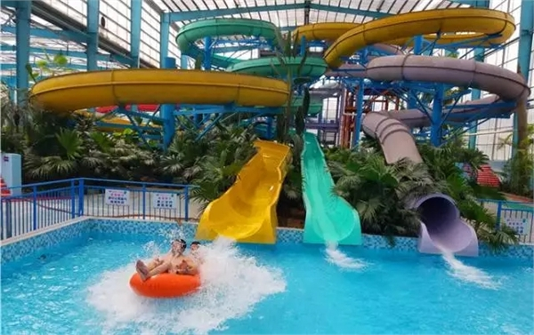 400 Riders Capacity Rafting Spiral Water Slide For Amusement Park