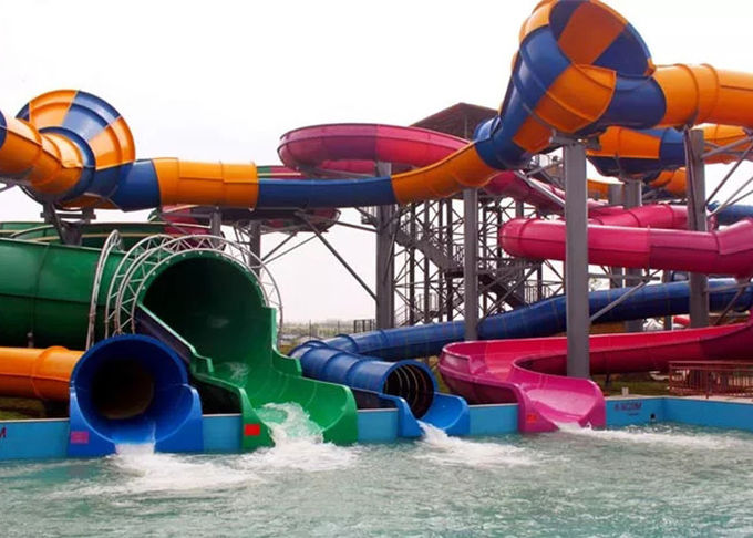 Sunshine Coast Water World Park Magicloop Water Slide Playground For Kids / Adults