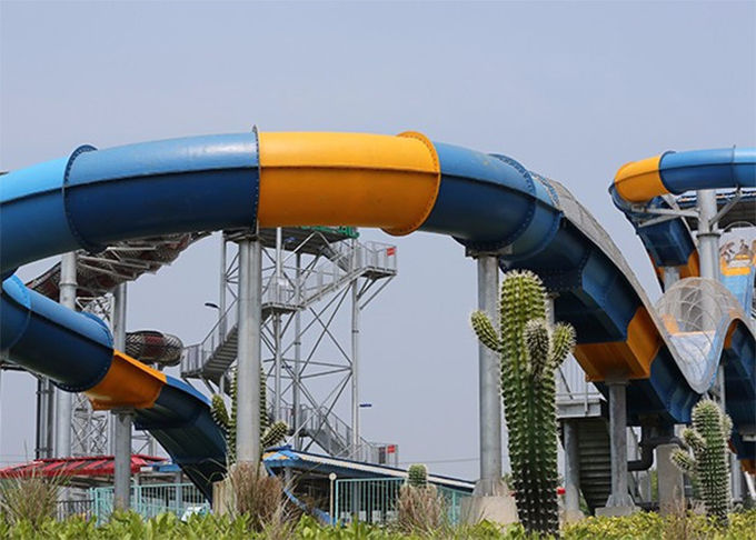 Customized Color Family Boomerang Water Slide 0
